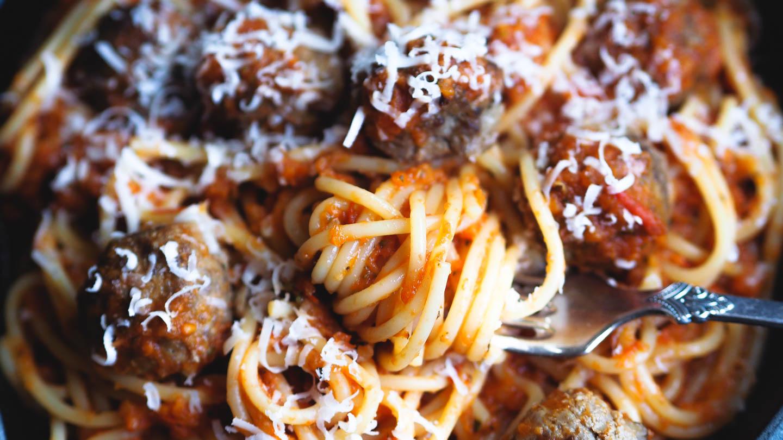 Pasta med kjøttboller_P6251134 (1).jpg