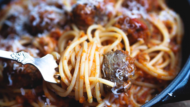 Pasta med kjøttboller_P6251137.jpg